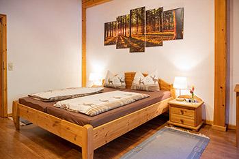 ferienwohnng f r kleinkinder urlaub auf dem bauernhof in oberharmersbach schwarzwald. Black Bedroom Furniture Sets. Home Design Ideas